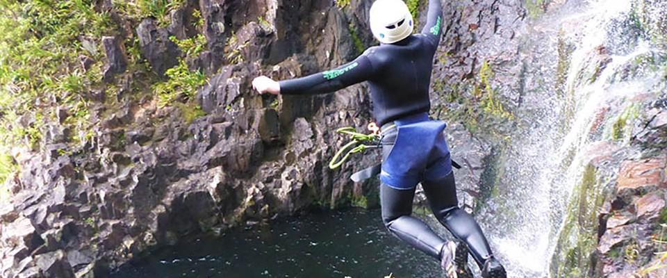 Lindsay Born jumping