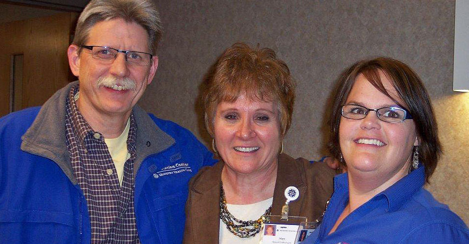 Dr. Daniel Kraeger (Ministry Sports Medicine)  (left), Mary Day, Jodi Waltenberg, ATC (Ministry Sports Medicine)
