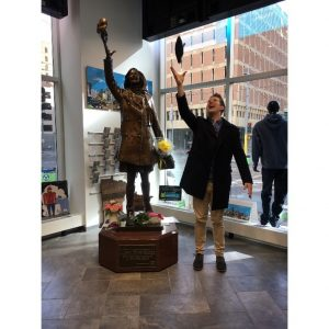 Anyon by Mary Tyler Moore statue